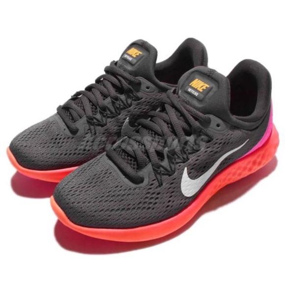 746c1558621 Women s Nike Lunar Skyelux Running Shoes. M 5c3a66756a0bb79b46656c10